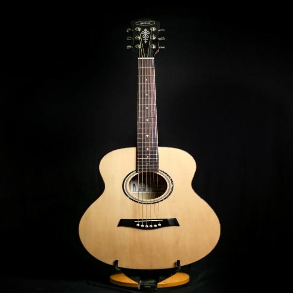 Giulani  GAG 36 Travel Guitar